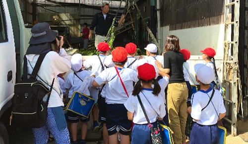 地元の小学生への授業風景