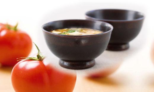 トマトとあおさのりのお味噌汁(あおさのり使用)